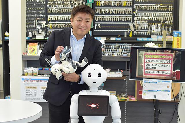 人型ロボットのPepper、小型犬ロボットのAIBO