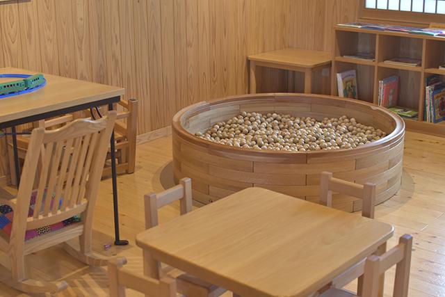豊後森機関庫ミュージアム 『木のプール』