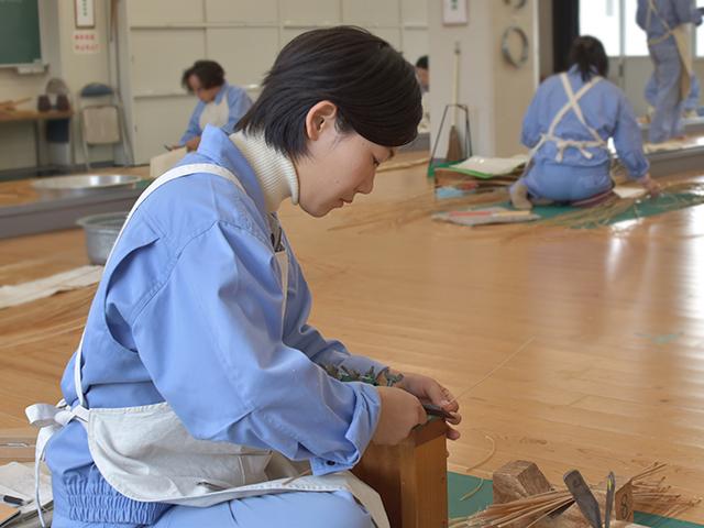 大分県立竹工芸訓練センター大分県立竹工芸訓練センター 竹を学ぶ