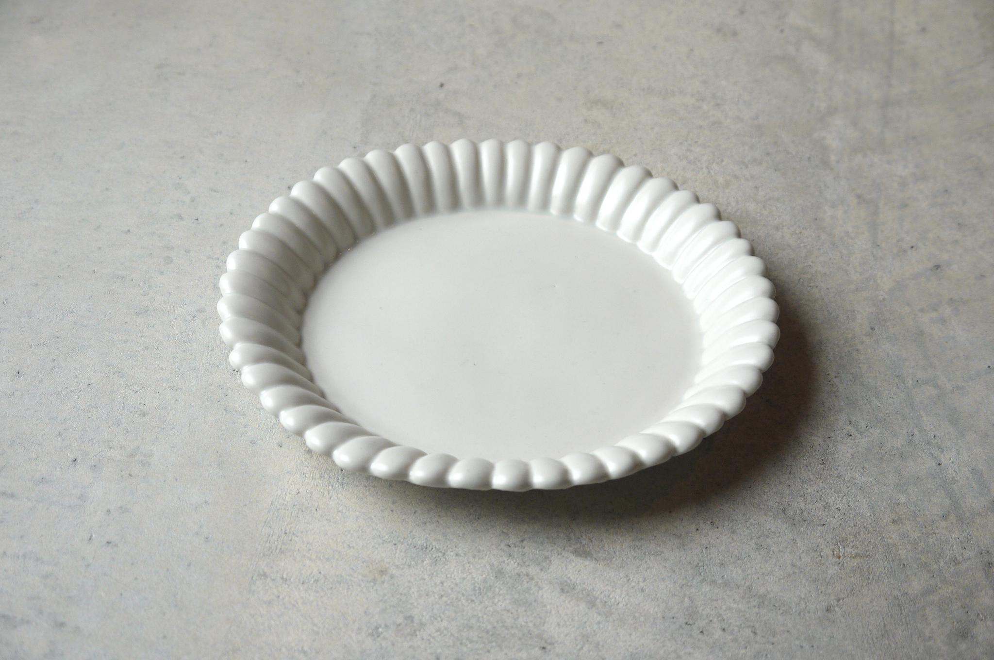 臼杵焼輪花 皿