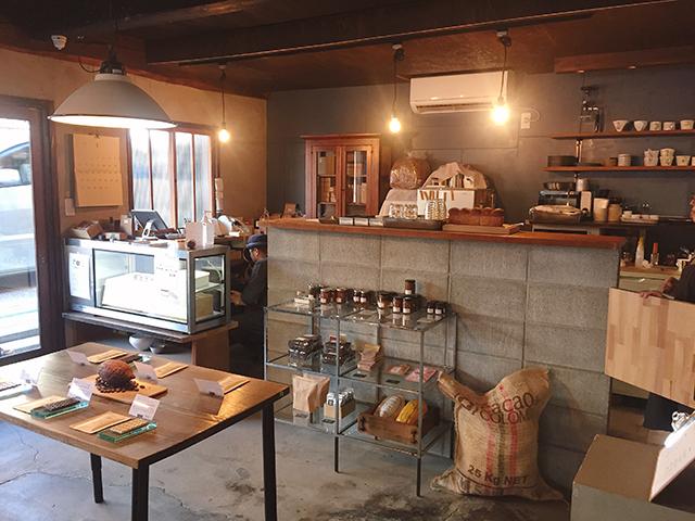 中津 Craft Chocolate Cafe「ハル チョコレート店」店内