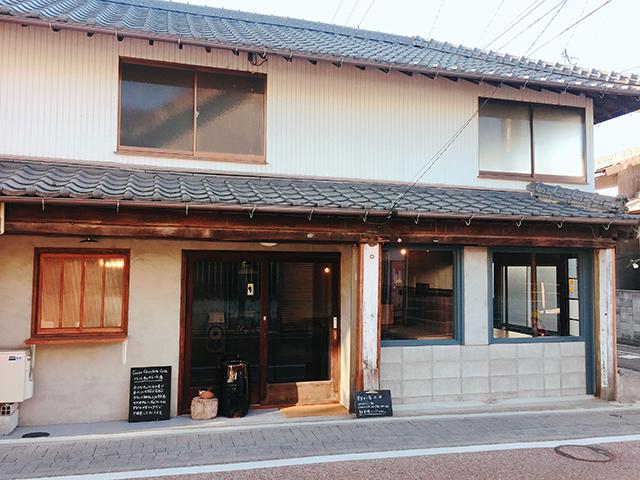 中津 Craft Chocolate Cafe「ハル チョコレート店」外観