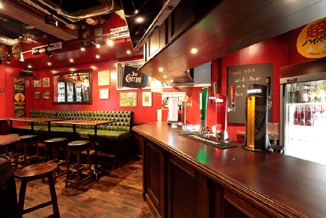 IRISH PUB THE HIVE 店内