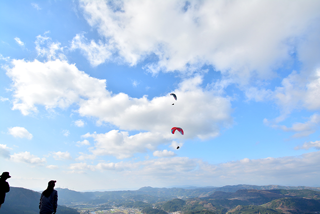 鳥のように大空へ!パラグライダーで憧れの空旅
